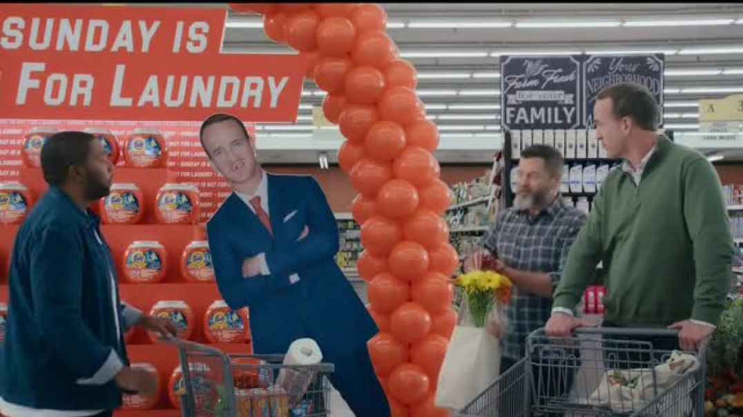 Watch Tide TV Commercial Ad, Laundry Night Fireplace Featuring Nick Offerman, Peyton Manning, Kenan