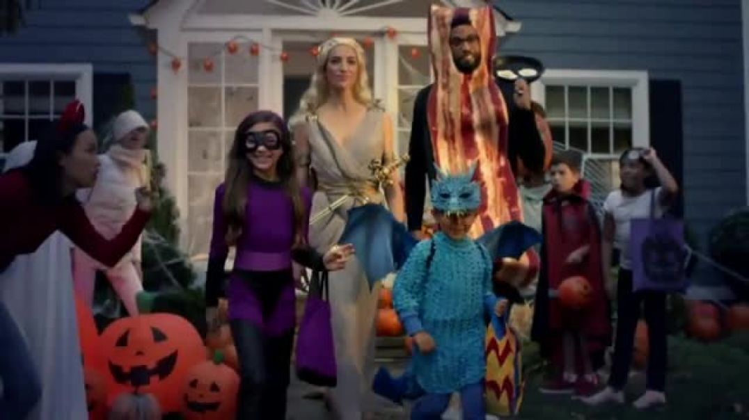 Watch Value Village TV Commercial Ad, Hallowinning