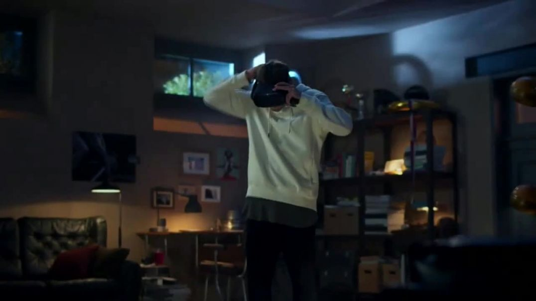 Oculus Quest TV Commercial Ad, Reality Meets Virtual Reality.mp4