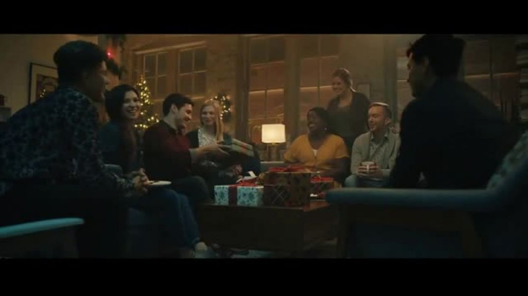 Hallmark Gold Crown Stores TV Commercial Ad, When You Care Enough to Remember the Way to Their Heart