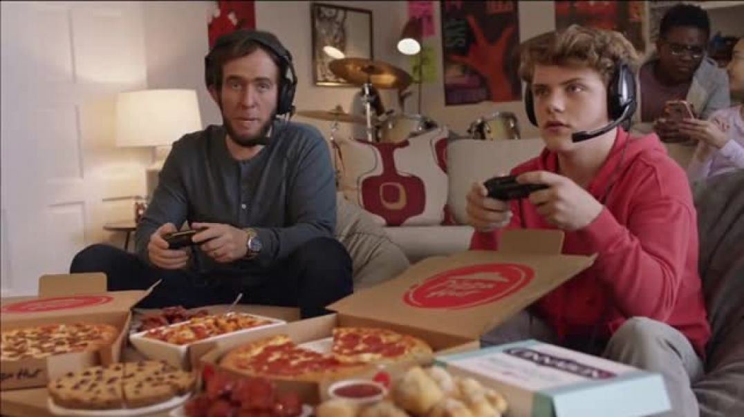 Pizza Hut $5 Lineup Super Bowl 2019 TV Commercial Ad Level Up With the $5 Lineup.mp4