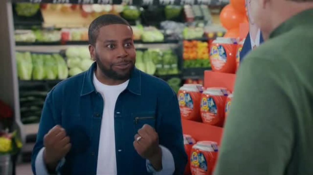 Tide TV Commercial Ad Nick Offerman Ad Peyton Manning and Kenan Thompson Put the Laundry Night Debat