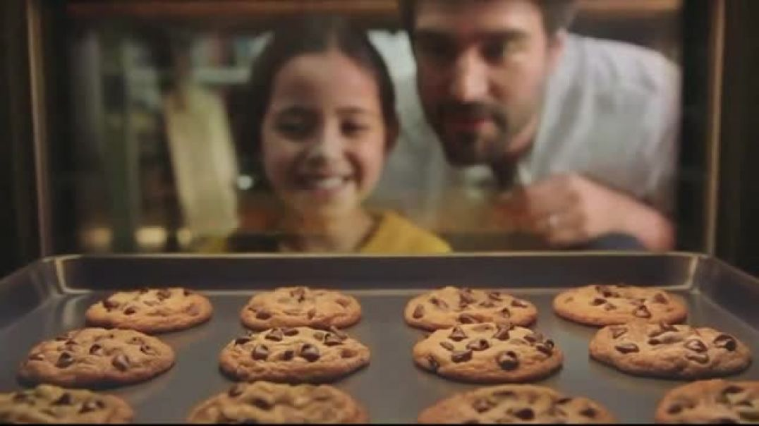 Nestle Toll House SemiSweet Morsels TV Commercial Ad How to Share Love.mp4