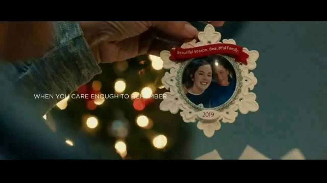 Hallmark Gold Crown Stores Keepsake Ornaments TV Commercial Ad When You Care Enough to Remember the