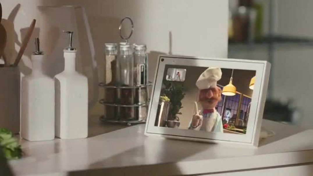 Portal from Facebook TV Commercial Ad Soup Featuring The Swedish Chef, Beaker.mp4