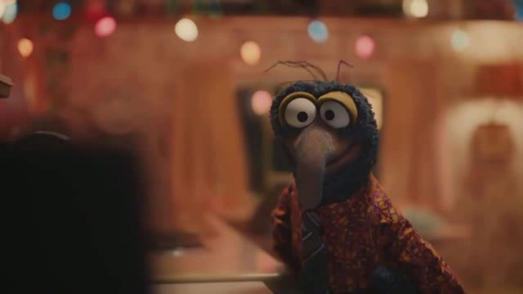 Portal from Facebook TV Commercial Ad Sweet Gift Featuring Kermit, Gonzo.mp4