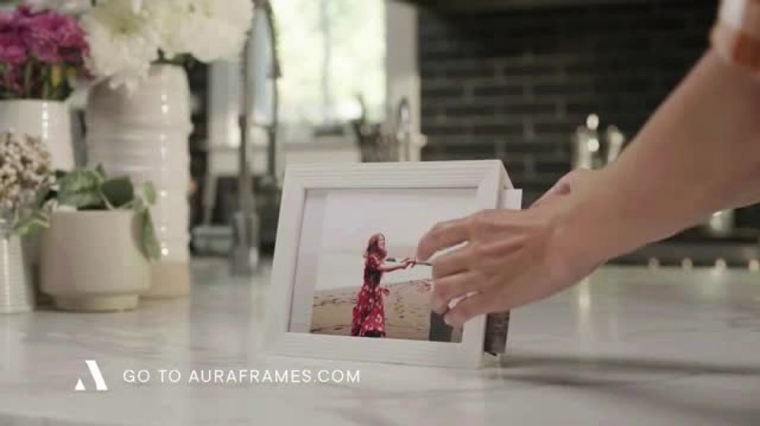 Aura Frames TV Commercial Ad Perfect Holiday Gift First Month Free.mp4