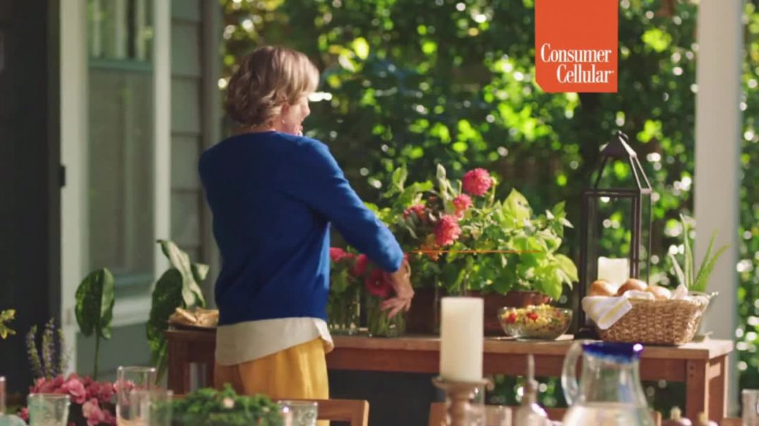 Consumer Cellular TV Commercial Ad Sunday Dinner Holiday $25 Credit.mp4