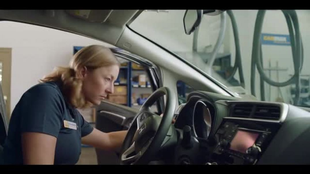 CarMax TV Commercial Ad, The Vent That Wont Stay Open.mp4