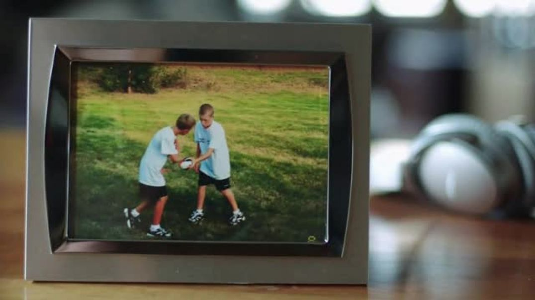 Bose TV Commercial Ad, Family and Football Featuring Kirk Cousins.mp4