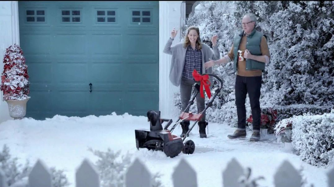 Hyundai Holidays Sales Event TV Commercial Ad, Lawn Mower.mp4