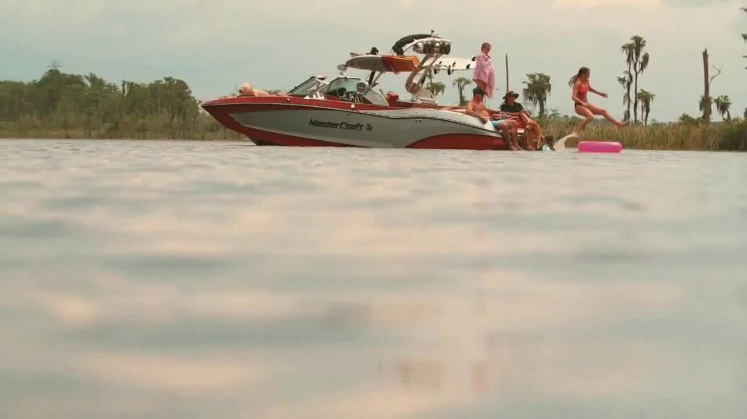 MasterCraft TV Commercial Ad, Mornings on the Lake.mp4
