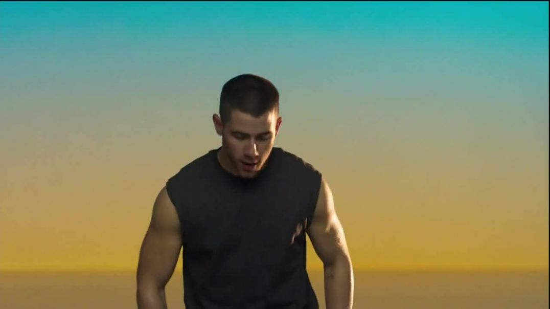 Apple Watch TV Commercial Ad, Chase Featuring Nick Jonas, Song by The Delfonics.mp4