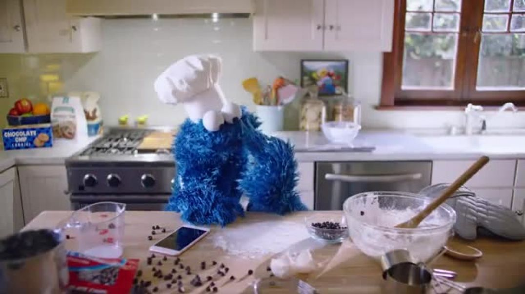 Apple iPhone 6s TV Commercial Ad, Timer Cookie Monster Song by Jim Croce.mp4