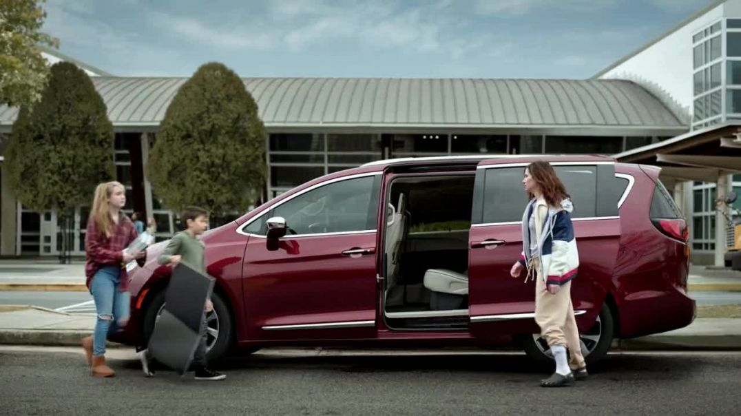 Chrysler Pacifica TV Commercial Ad, No Matter How You Parent School DropOff Featuring Kathryn Hahn.m