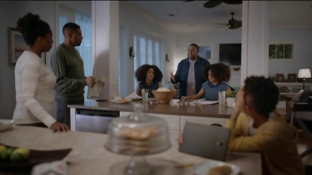 Universal Orlando Resort TV Commercial Ad 2020, Let Yourself Woah Family Meeting Featuring Kenan Tho