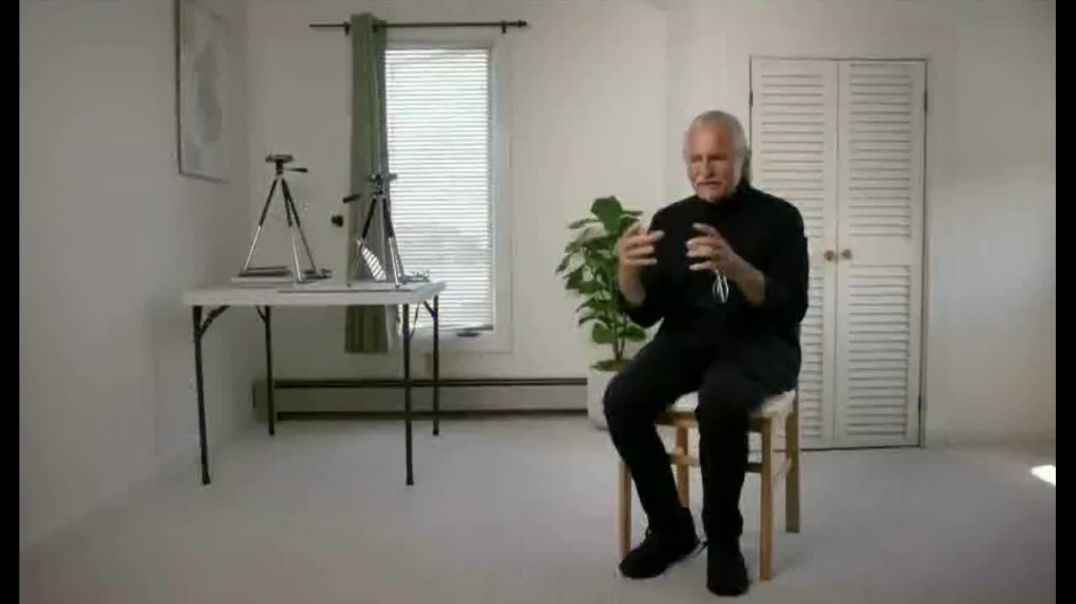 Bloomberg LP TV Commercial Ad 2020, Art and Technology- Social Urgency