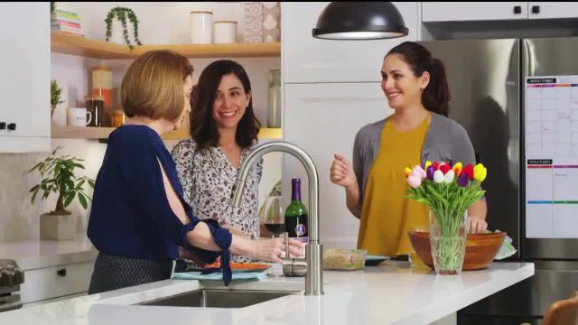 Barefoot Cellars TV Commercial Ad 2020, Familia