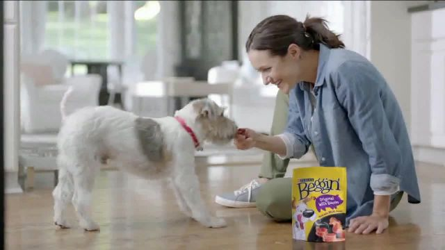 Purina Beggin' TV Commercial Ad 2021, Bonkers for Beggin- Stairs