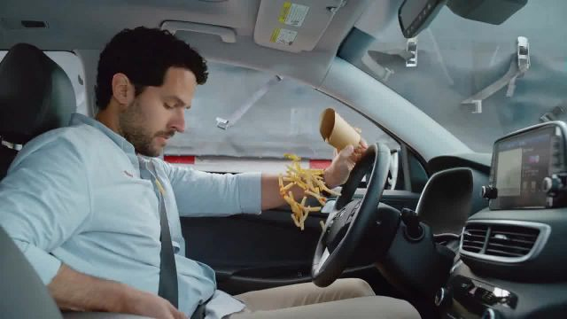 2020 Hyundai Tucson TV Commercial Ad 2021, Pequeños accidentes' [Spanish]