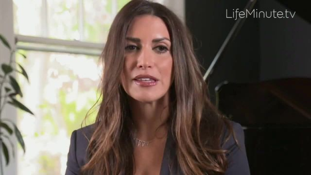 LifeMinute TV TV Commercial Ad 2021, Breast Reconstruction- Erica