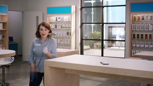 AT&T Wireless 5G TV Commercial Ad 2021, Putter